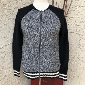 American Eagle sweater zip up XS